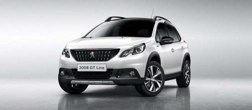 Ecco la nuova Peugeot 2008: prezzo e motori.