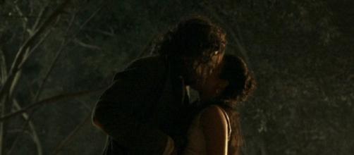 Joaquina e Xavier se beijam (Gshow)