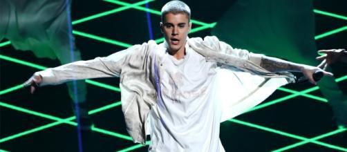 Justin ganhou prêmio de Melhor Artista Masculino de 2016