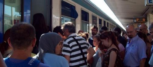 Secondo Trenitalia i treni regionali dei pendolari sono puntuali