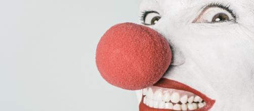 Sorrir continua sendo o melhor remédio. (Photo via Visual hunt)