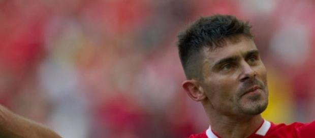 Alex foi expulso no jogo contra o São Paulo