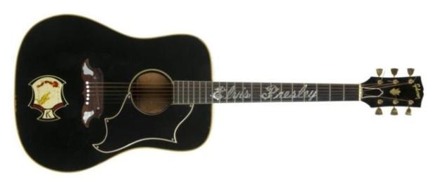 Guitarra de Elvis vendida em leilão