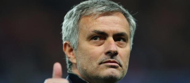 José Mourinho pode estrear-se num novo emblema em Inglaterra