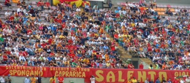 Tanti tifosi salentini pronti a partire a Foggia.