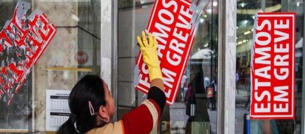 Unicamp entra em greve e 4 mil funcionários paralisam as atividades