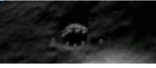 La strana immagine tratta da Google Earth: costruzione aliena sulla Luna?