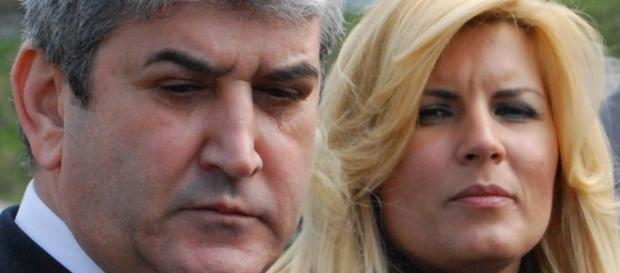 Doi penali, Gabriel Oprea şi Elena Udrea