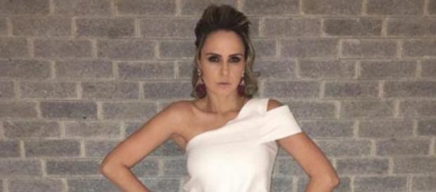 Fãs elogiam novo visual de Ana Paula