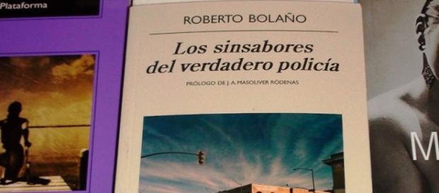 La portada del libro Los sinsabores del verdadero policia de Roberto Bolaño