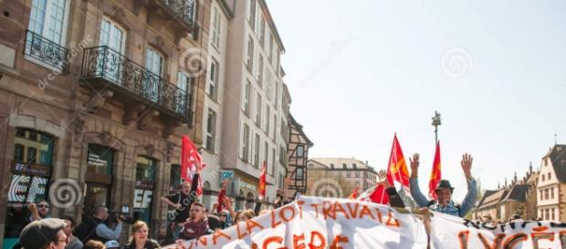 Protesta contro le riforme in Francia