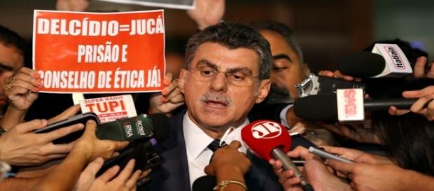 Romero Jucá deixa o Planejamento