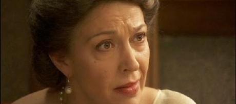 'Il Segreto': c'è Francisca dietro la morte della moglie di Raimundo.