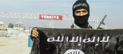 La Russia accusa la Turchia di sostegno dell'Isis