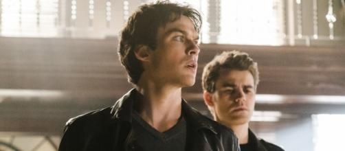 The Vampire Diaries: Damon e Stefan (Foto: CW)