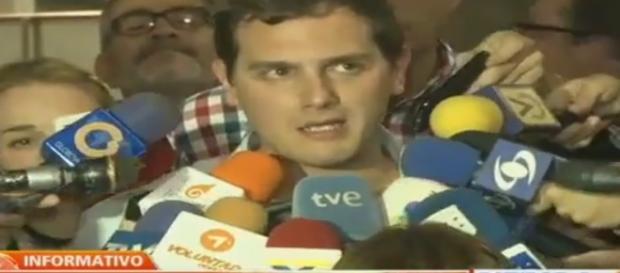 Albert Rivera en Caracas denunciando la falta de libertad de expresión en Venezuela