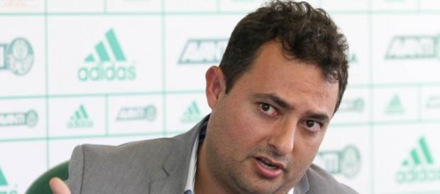 Alexandre Mattos, executivo de futebol do Palmeiras, está na Europa