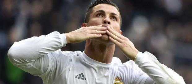 Cristiano Ronaldo rămâne la Real Madrid