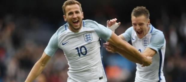Kane and Vardy celebrate during England's friendly win over Turkey (Source: Wikipedia)