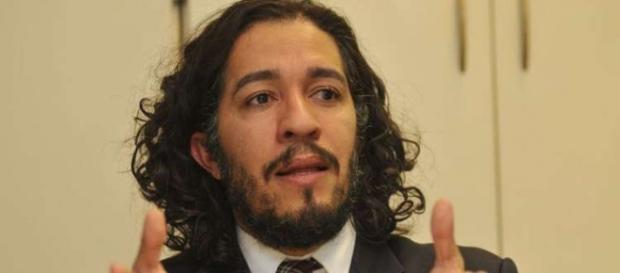 Jean foi condenado a pagar R$40 mil e retirar a publicação da rede social