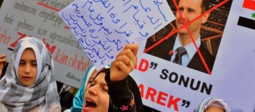 Donne siriane in piazza, manifestazione anti-Assad