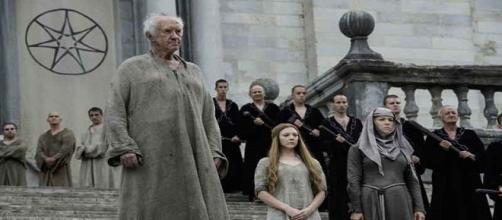 El Gorrión, Margaery y la Septa Unella. HBO