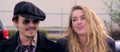 Johnny Deep e Amber Heard divorziano