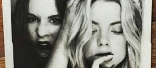 Troian Bellisario e Ashley Benson nomeadas para 'Choice TV Actress'