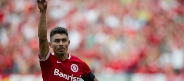 Canales e Camilo não serão o 'tudo' para o Botafogo, o clube quer mais.