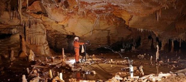 O Homem Neandartal deixou estalagmites em forma circular na Caverna de Bruniquel