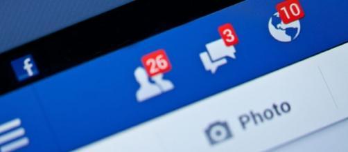 Fotografía de aviso de notificaciones de la red social Facebook