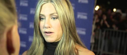 Jennifer Aniston tentou se reaproximar da mãe em seus últimos dias de vida