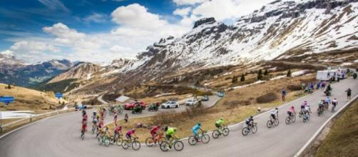 La ascensión al Col dell'Agnelo y la subida final al Risoul marcaron la etapa 19 del Giro
