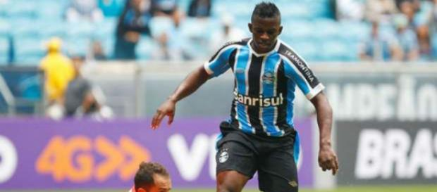 Yuri defende atualmente time grego (Foto: Grêmio FBPA/Divulgação)
