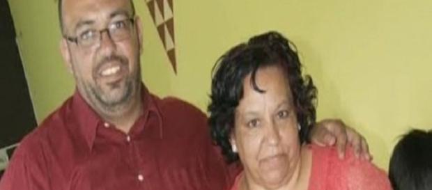 Esperanza y Carlos, madre e hijo. Uno de los casos afectados de los bebés robados