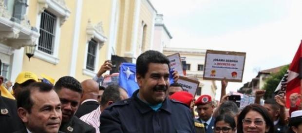 Presidente Maduro enfrenta uma séria crise social e econômica