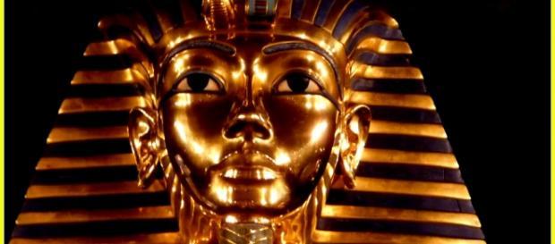 Tutankhamon: la lama del coltello trovato nella sua tomba proviene dallo spazio
