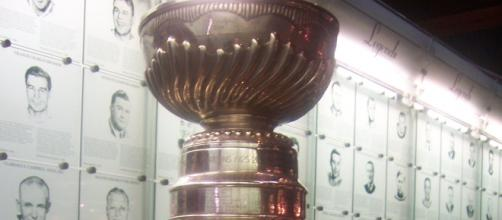 Stanley Cup closeup - Photo Wikipedia