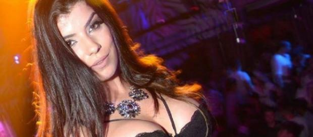 Sofia Sousa sensual em lingerie