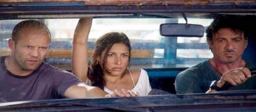Giselle Itié com Sylvester Stallone e Jason Statham