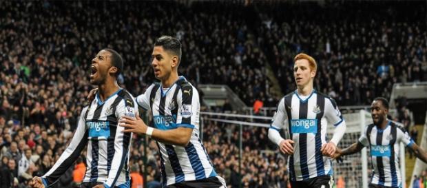 Wijnaldum y Ayoze dos de las piezas más cotizadas del Newcastle