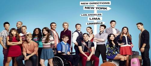 Fotografía de los personajes de la serie Glee