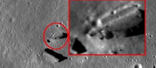 No detalhe, a ampliação de uma das estranhas estruturas fotografadas na Lua