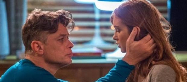 Eliza aceita convite de Arthur (Gshow)