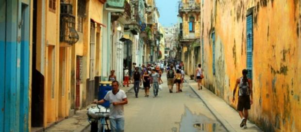 Una calle de la Habana vieja en Cuba