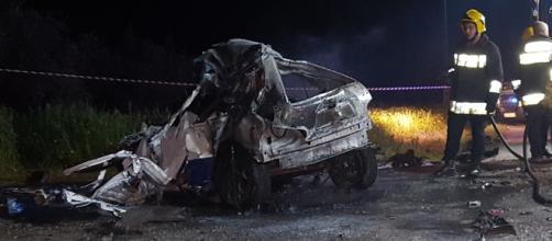 Carro incendiou-se após choque frontal com camião