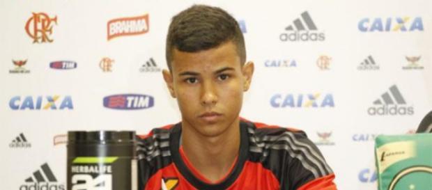 Jovem Arthur está fora do Flamengo