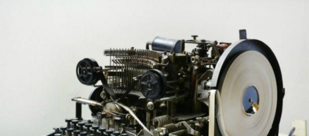 Super-Enigma venduta su e-Bay: macchina di Hitler