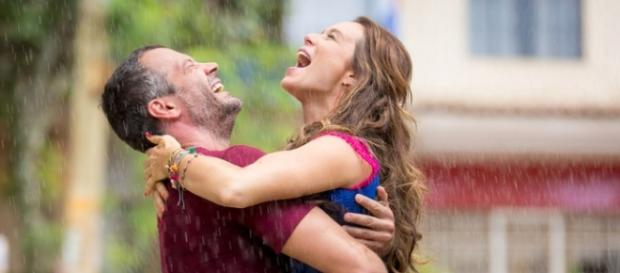 Tancinha (Mariana Ximenez) e Apolo (Malvino Salvador): um casal com muito amor (Foto: Fabiano Battaglin/Gshow)