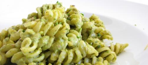 Pesto pasta. Photo by H/Flickr.